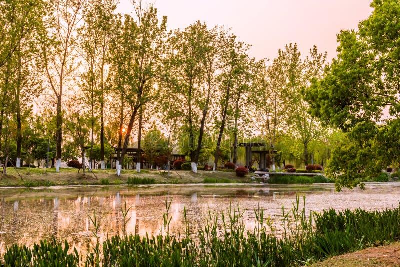 Coucher du soleil de lac Xuanwu photographie stock