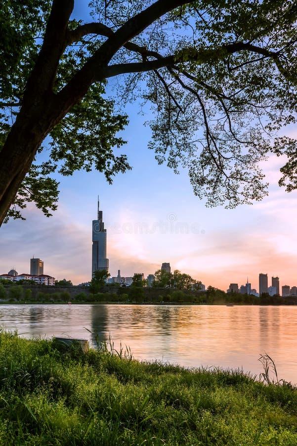 Coucher du soleil de lac Xuanwu photographie stock libre de droits