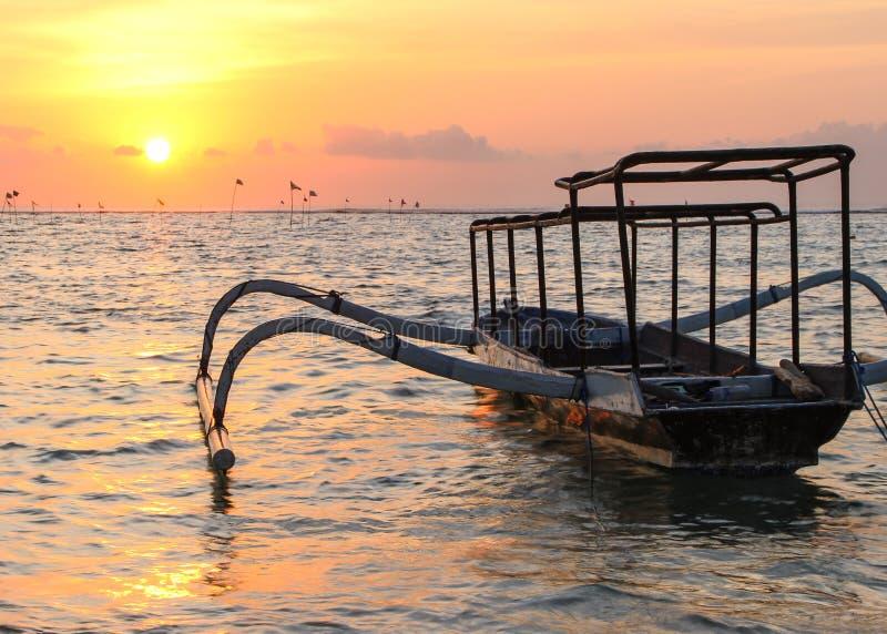 Coucher du soleil de Lembongan photo stock