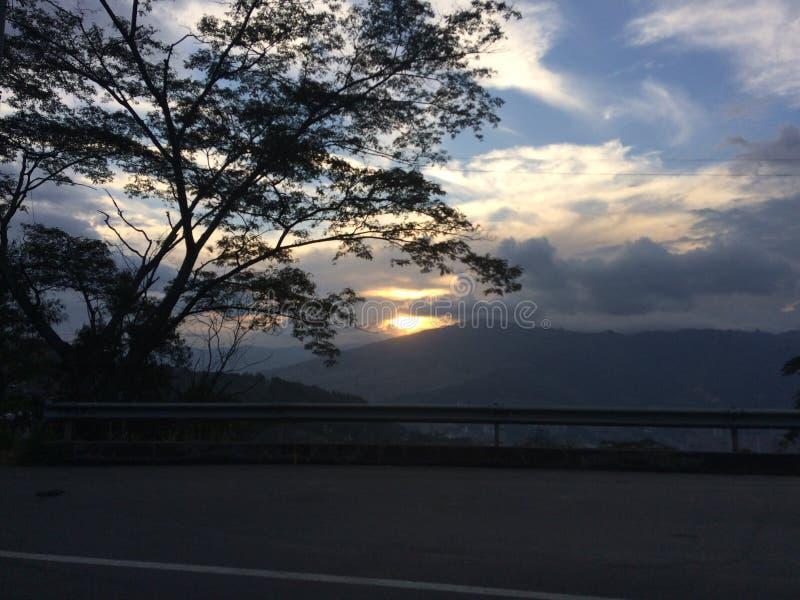 Coucher du soleil de Medellin photographie stock libre de droits