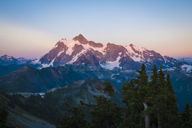 Coucher du soleil de Mt Shuksan, l'état de Washington photo stock