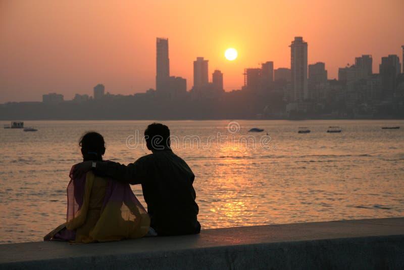 Coucher du soleil de Mumbai photos stock