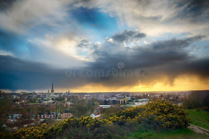 Coucher du soleil de Norwich City images libres de droits