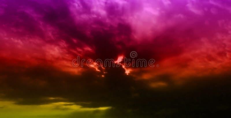Coucher du soleil de nuages images stock