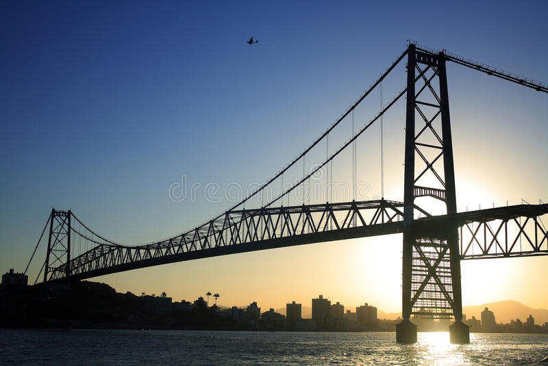 coucher du soleil de passerelle photographie stock libre de droits