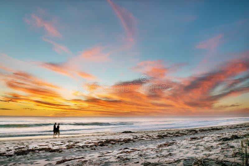 Coucher du soleil de paysage marin au-dessus de la mer image stock