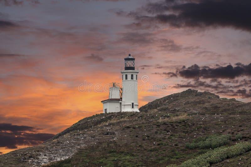 Coucher du soleil de phare d'île d'Anacapa au pair de ressortissant des Îles Anglo-Normandes photos stock
