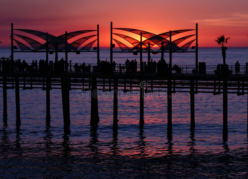 Coucher du soleil de pilier de Redondo Beach photo stock