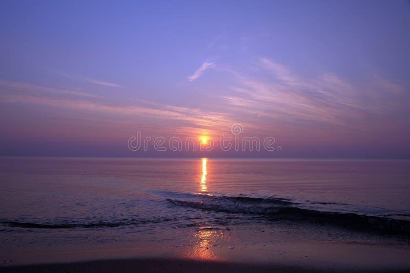 coucher du soleil de plage image stock