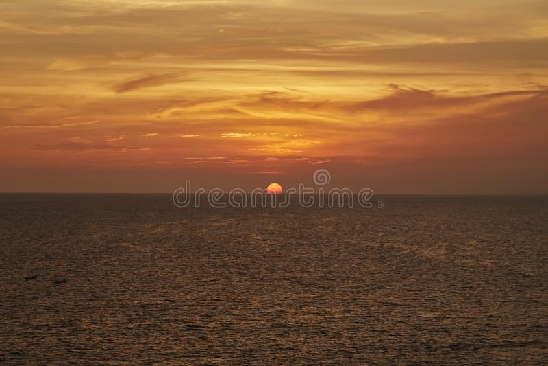 Coucher du soleil de plage _b à Acapulco, Mexique image libre de droits
