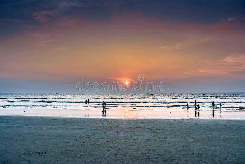 Coucher du soleil de plage de Goa photo libre de droits