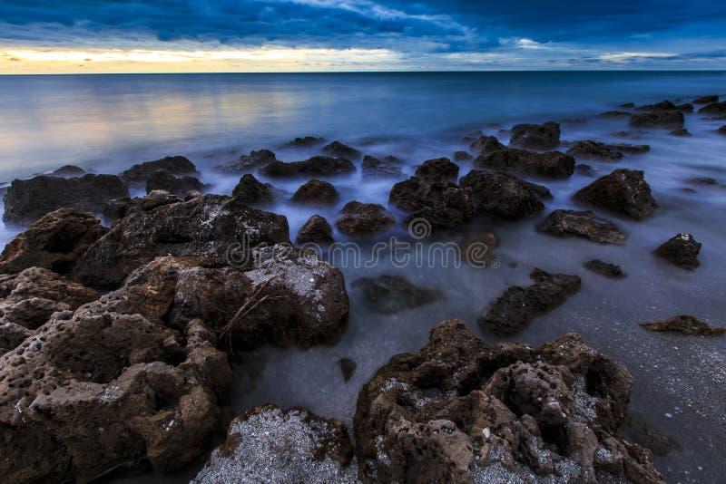 Coucher du soleil de plage de la Floride images libres de droits