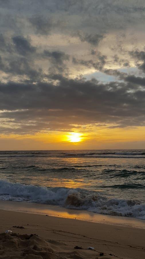 Coucher du soleil 3 de plage de Patar images stock