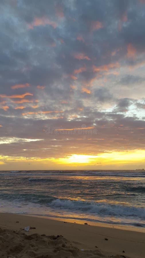 Coucher du soleil 2 de plage de Patar image libre de droits
