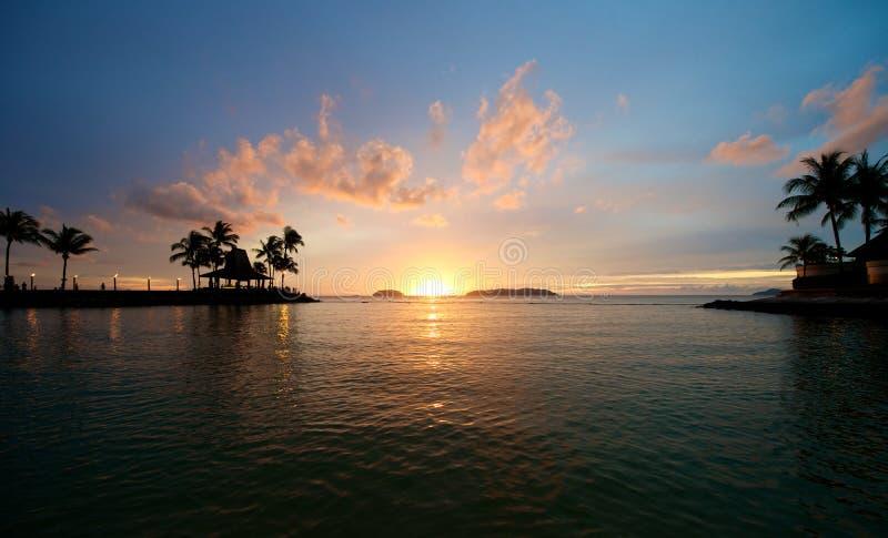 Coucher du soleil de plage en Sabah Malaysia photos stock