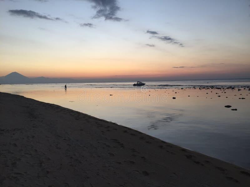 Coucher du soleil de plage - Gili Trawangan photographie stock libre de droits
