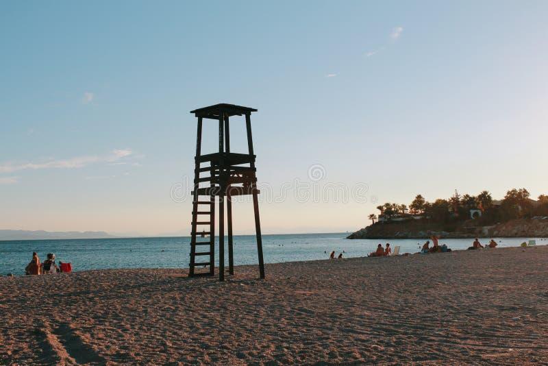 Coucher du soleil de plage de Glyfada en Grèce images stock