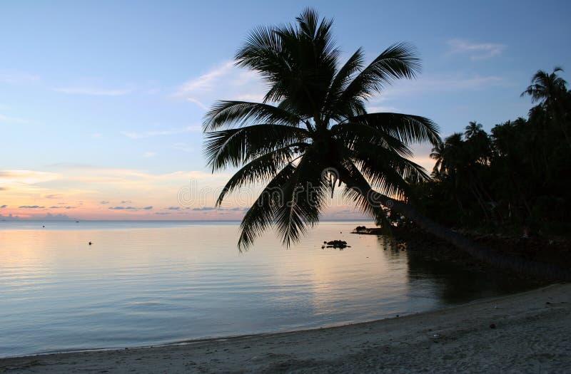 Coucher du soleil de plage - Thaïlande image stock