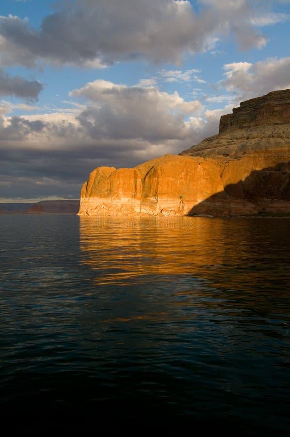 coucher du soleil de powell de lac images libres de droits