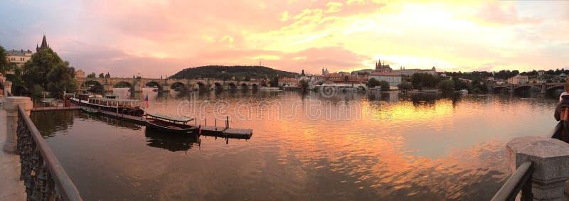 coucher du soleil de Prague photos libres de droits