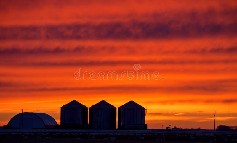 Coucher du soleil de prairie de Saskatchewan photo libre de droits