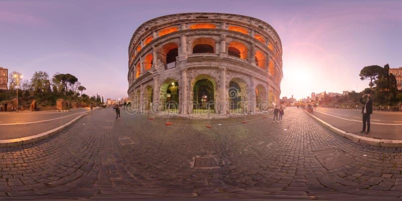 coucher du soleil de réalité virtuelle de 360 degrés à Rome Colosseum Italie photographie stock libre de droits