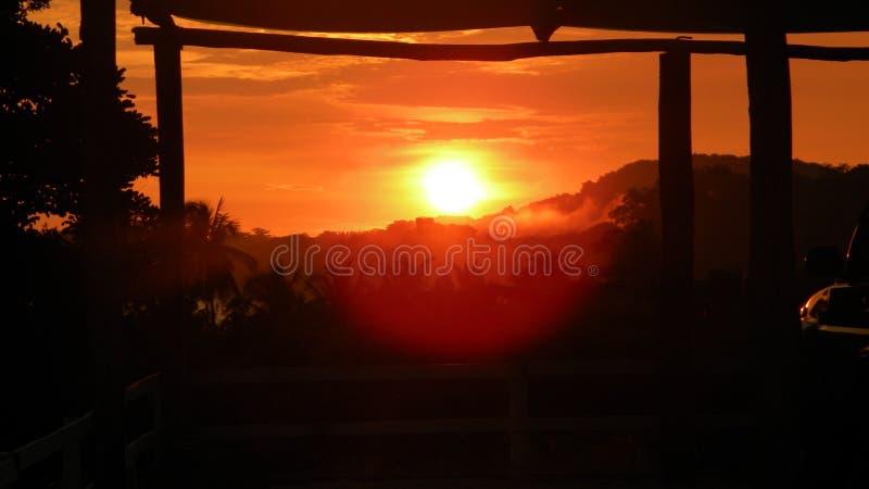 Coucher du soleil de Rican de côte image libre de droits