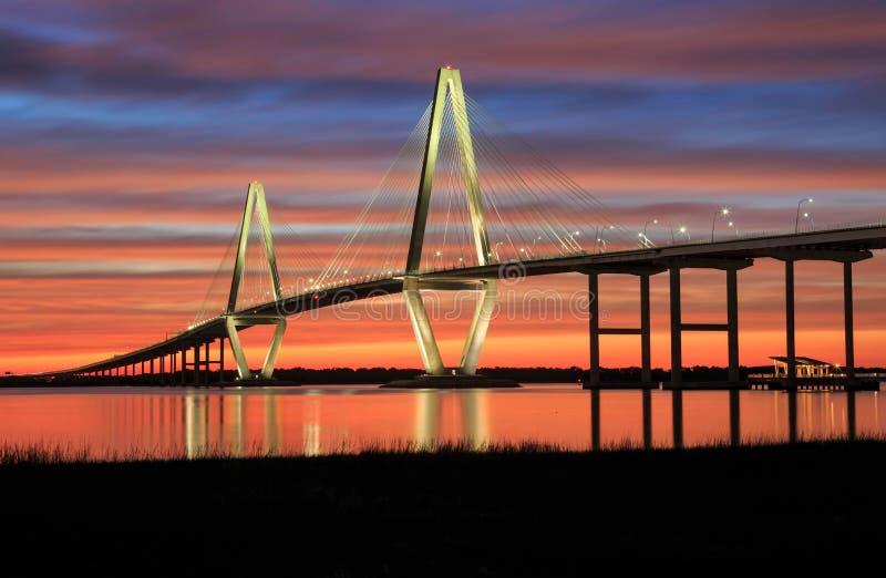 Coucher du soleil de River Ravenel Bridge de tonnelier de Sc de Charleston images libres de droits