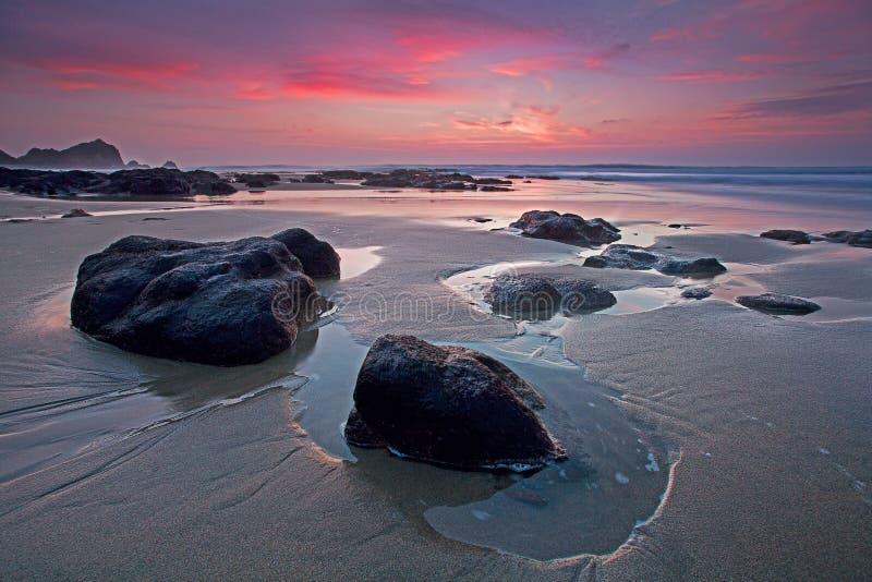 Coucher du soleil de route de Côte Pacifique photographie stock libre de droits