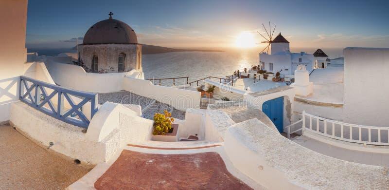 Coucher du soleil de Santorini image stock