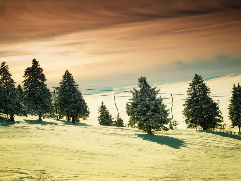 Coucher du soleil de ski image stock