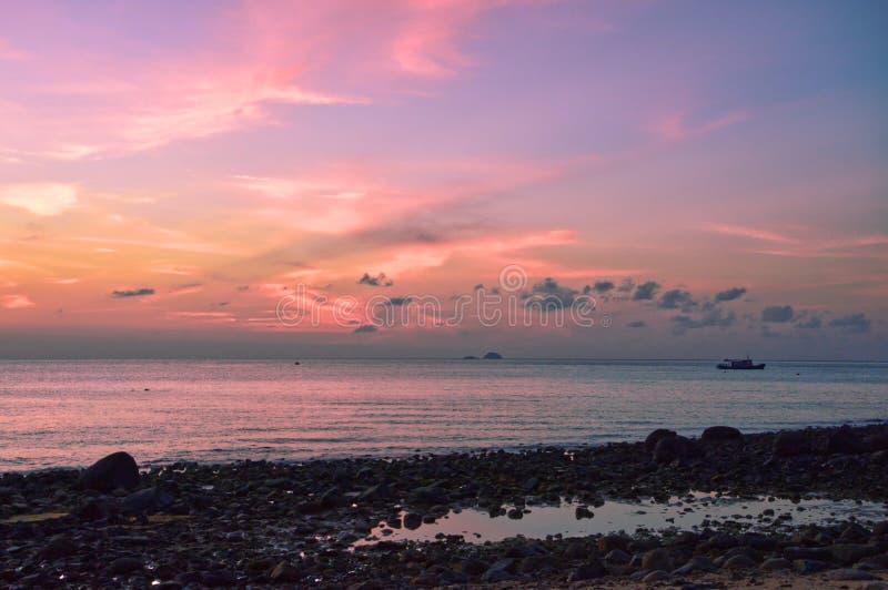Coucher du soleil de stupéfaction dans Pulau Tioman, Malaisie photo stock