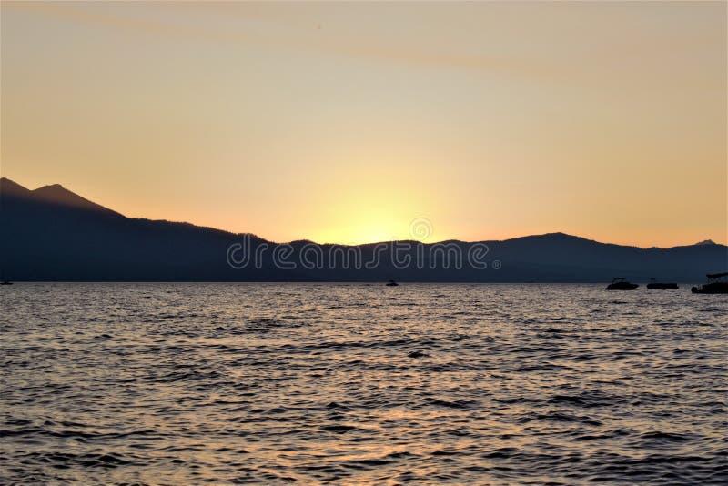 Coucher du soleil de Tahoe image stock