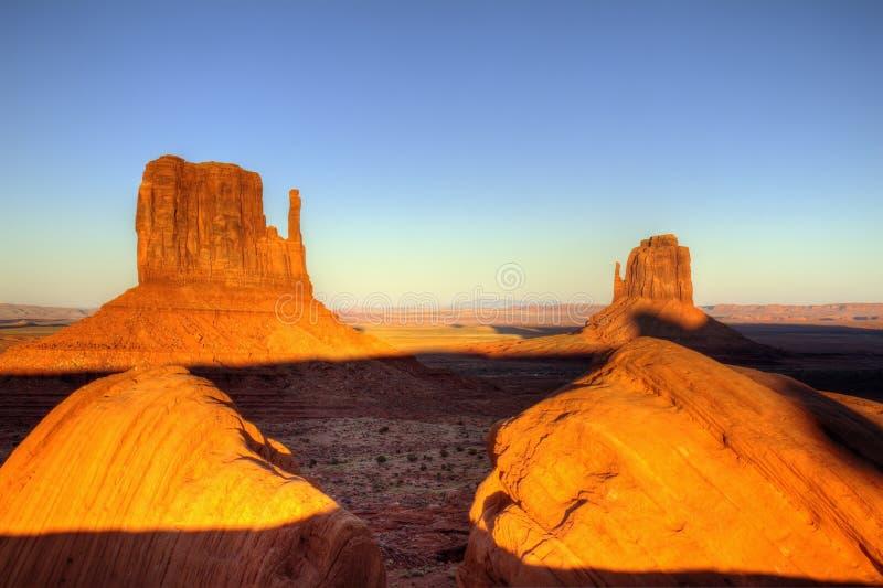 Coucher du soleil de vallée de monument photo libre de droits