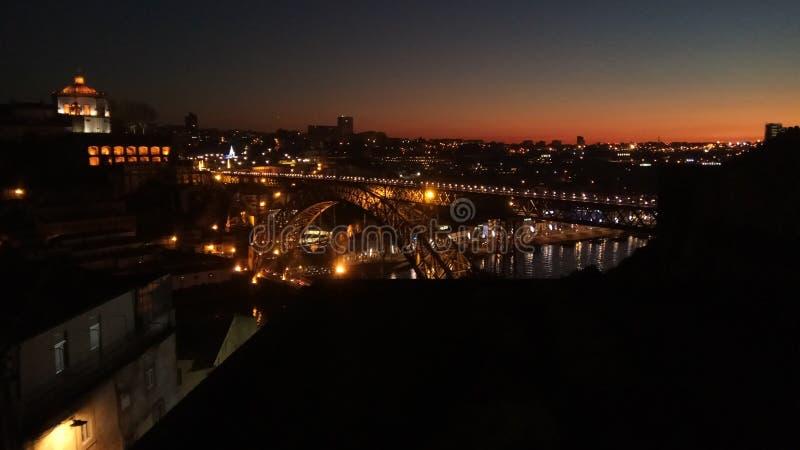 Coucher du soleil de ville photo stock