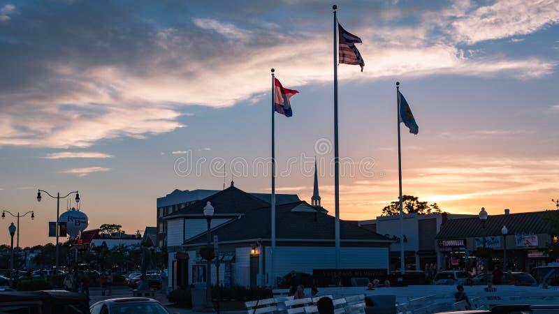 Coucher du soleil derrière la plage Delaware de Rehoboth photo stock
