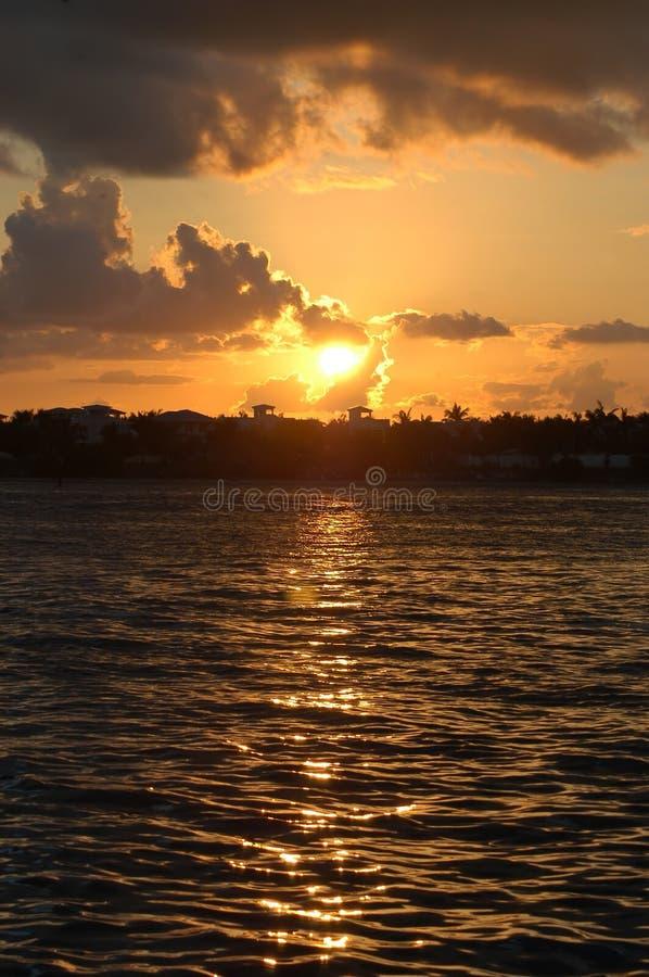 Coucher du soleil des Caraïbes images libres de droits
