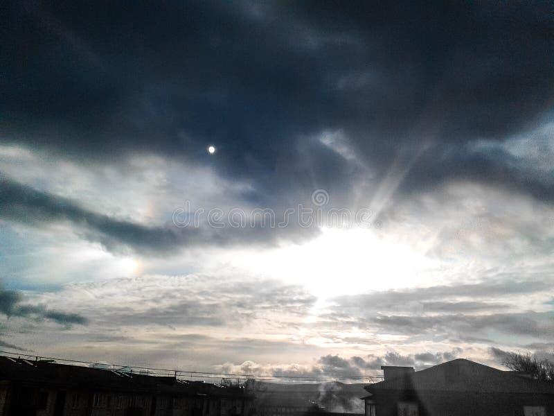 Coucher du soleil des deux soleils photographie stock