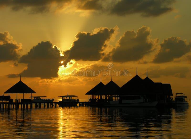 coucher du soleil des Maldives images stock