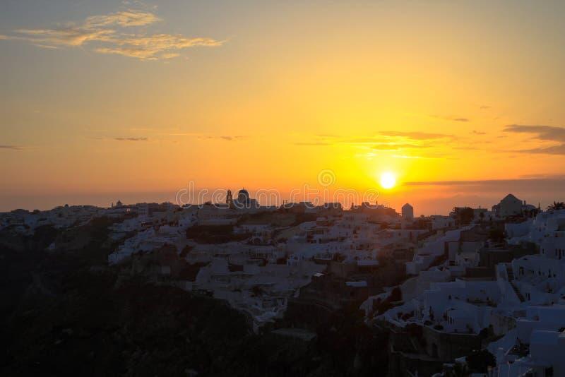 Coucher du soleil en île de Santorini, Grèce image stock