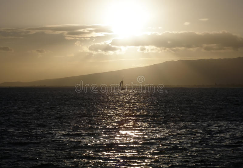 Coucher du soleil en Hawaï photos stock