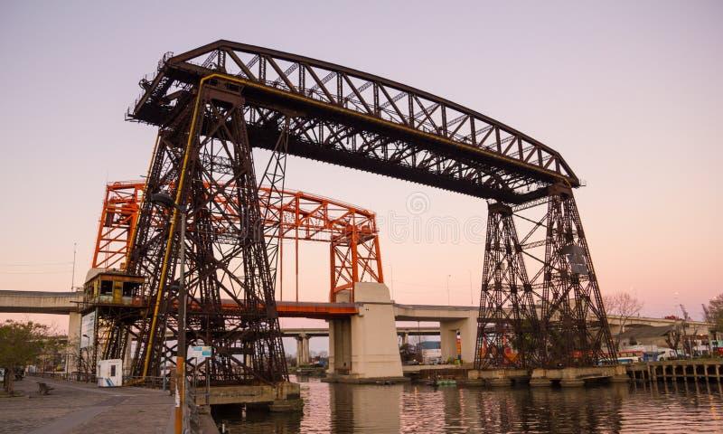 Coucher du soleil en La Boca, pont, dans le secteur de Boca La Boca de La, Buenos A photos stock