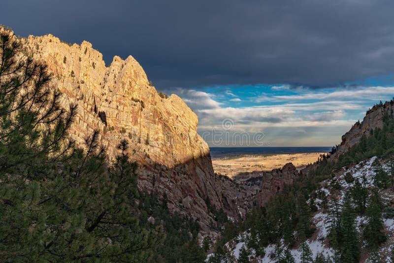 Coucher du soleil en parc d'état de canyon d'Eldorado photos libres de droits