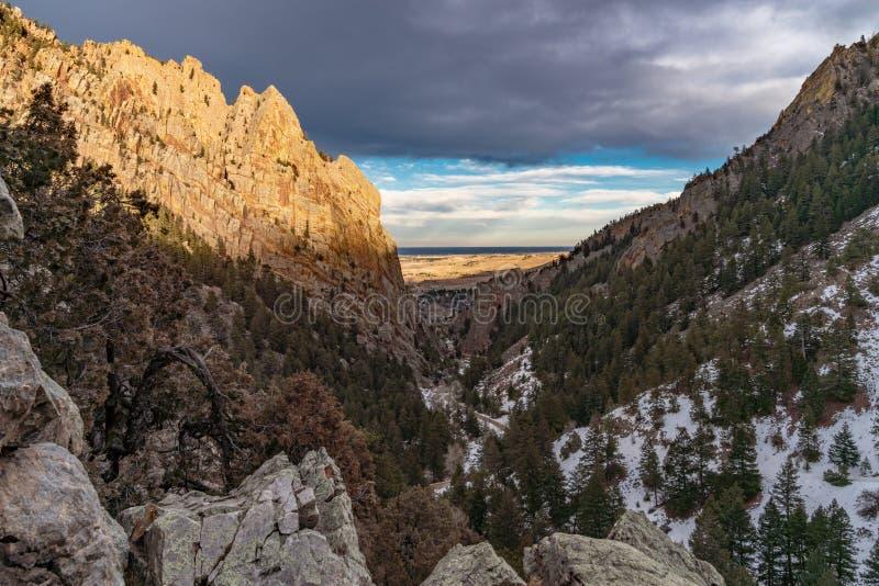 Coucher du soleil en parc d'état de canyon d'Eldorado images stock