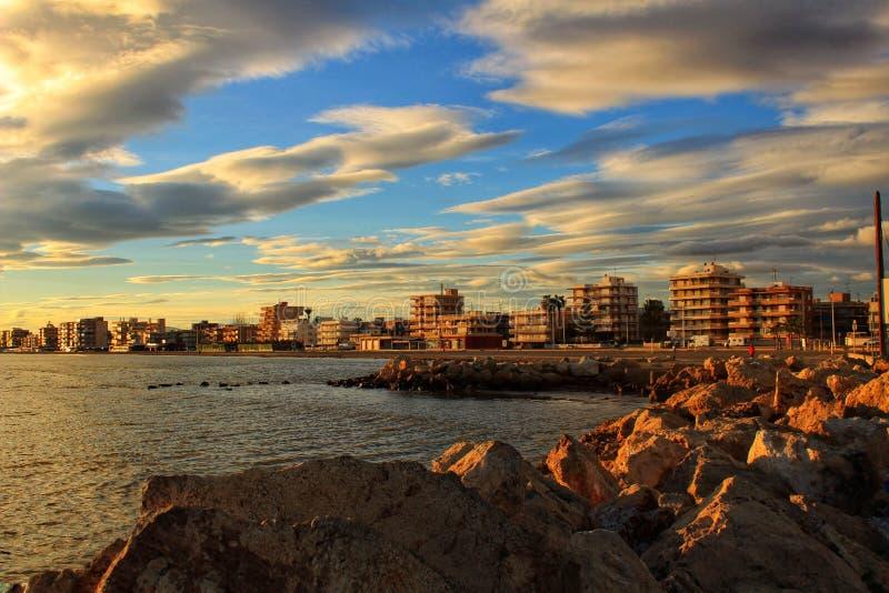 Coucher du soleil en Santa Pola images stock