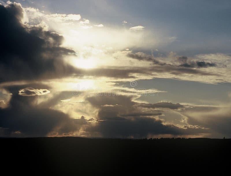 Coucher du soleil foncé image libre de droits