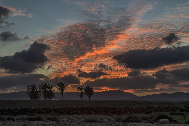 Coucher du soleil glorieux à l'Antigua, Fuerteventura, Îles Canaries images libres de droits