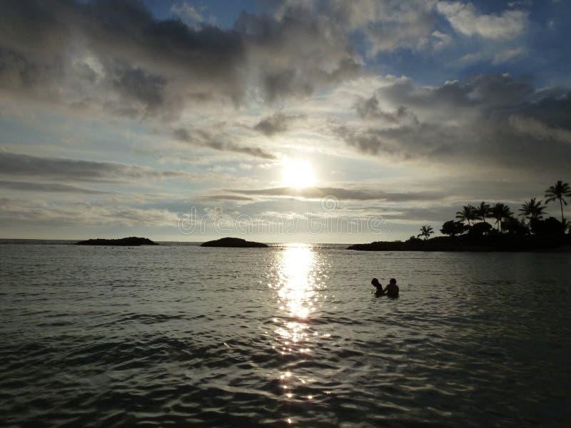 Coucher du soleil hawaïen images stock