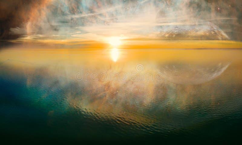 Coucher du soleil irréel de paysage d'imagination images libres de droits