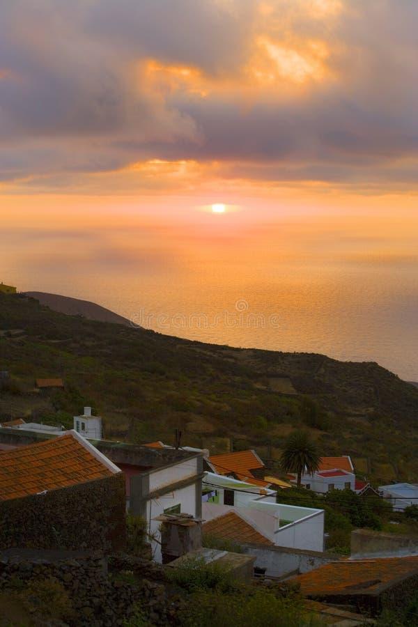 coucher du soleil jaune canari d'îles de hierro d'EL image libre de droits